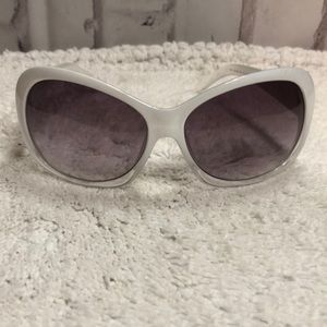 ELLE White Retro Sunglasses